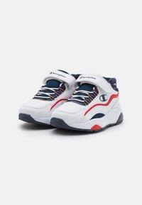 Champion - LOW CUT SHOE RECESS UNISEX - Chaussures d'entraînement et de fitness - white - 1