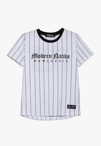 Modern Native - TEE WITH SCREEN PRINT - T-shirts print - white - 0