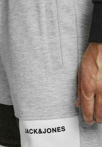 Jack & Jones - Shorts - light grey melange - 4