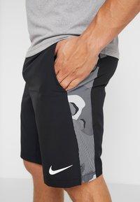 Nike Performance - Träningsshorts - black/smoke grey/white - 4