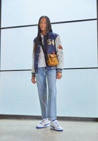 adidas Originals - FORUM BOLD - Trainers - footwear white/team royal blue - 0