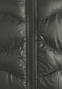 Peak Performance - HELIUM HOOD JACKET - Down jacket - black olive - 2
