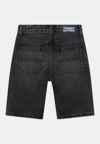Tommy Hilfiger - MODERN STRAIGHT  - Denim shorts - grey denim - 1
