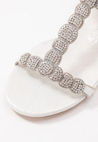 Menbur - Sandals - ivory - 2