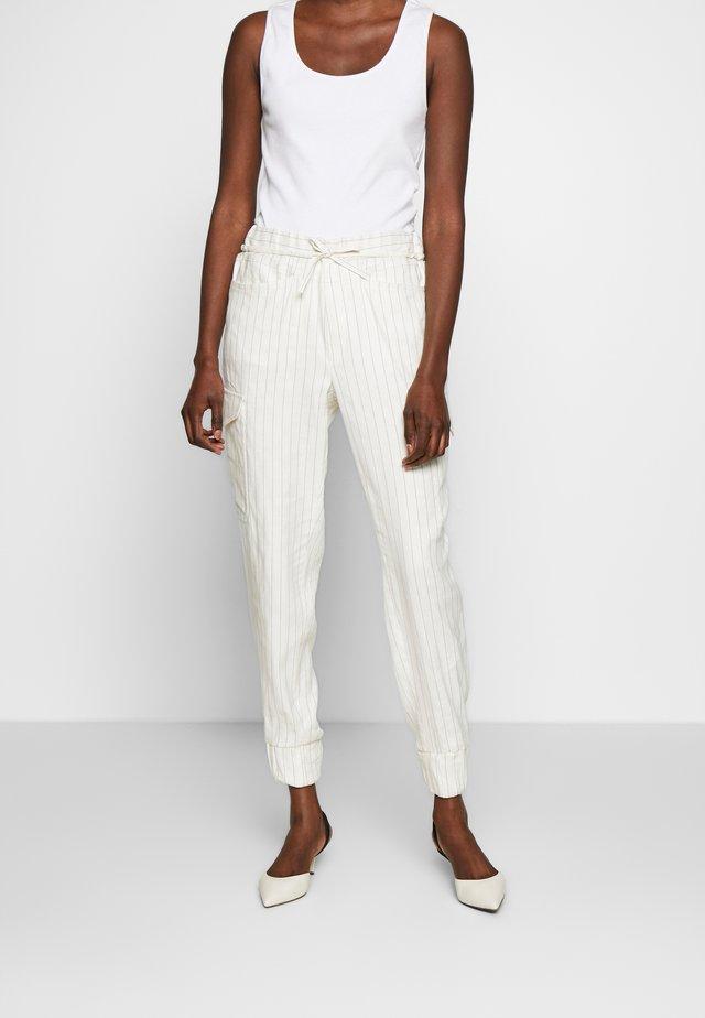 JADE - Trousers - white