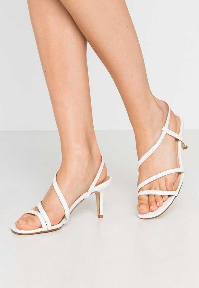 WIDE FIT MONTREAL - Sandals - white