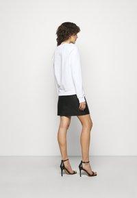 Love Moschino - Sweatshirt - optical white - 2