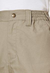 Dickies - COMBA ELASTICATED CARGO - Cargo trousers - khaki - 3