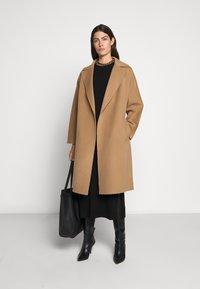 WEEKEND MaxMara - Classic coat - kamel - 1