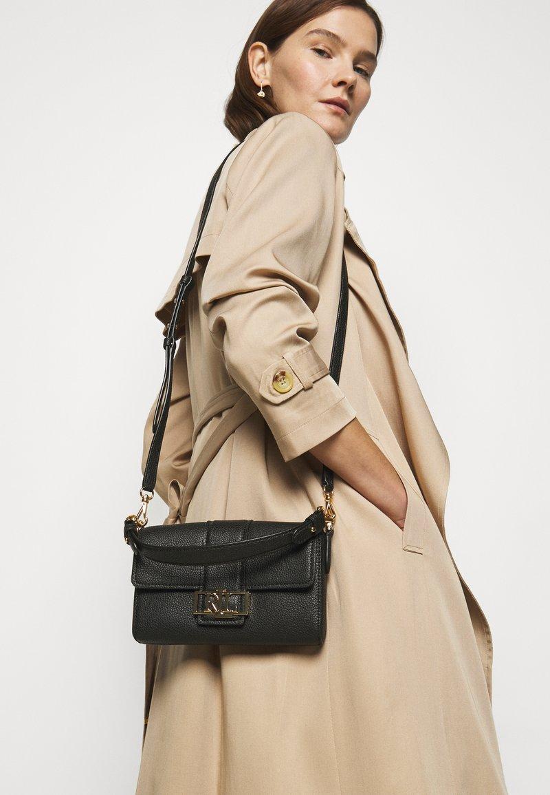 Lauren Ralph Lauren - CLASSIC PEBBLE SPENCER - Handbag - black
