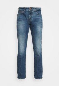 Tommy Jeans - SCANTON SLIM - Slim fit -farkut - dynamic chester mid blue - 3