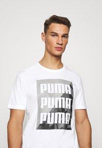 Puma - SUMMER GRAPHIC TEE - T-shirt con stampa - white - 3