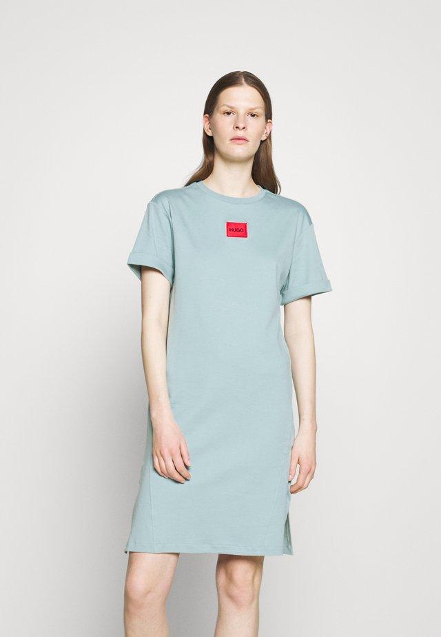 NEYLETE REDLABEL - Sukienka z dżerseju - pastel green