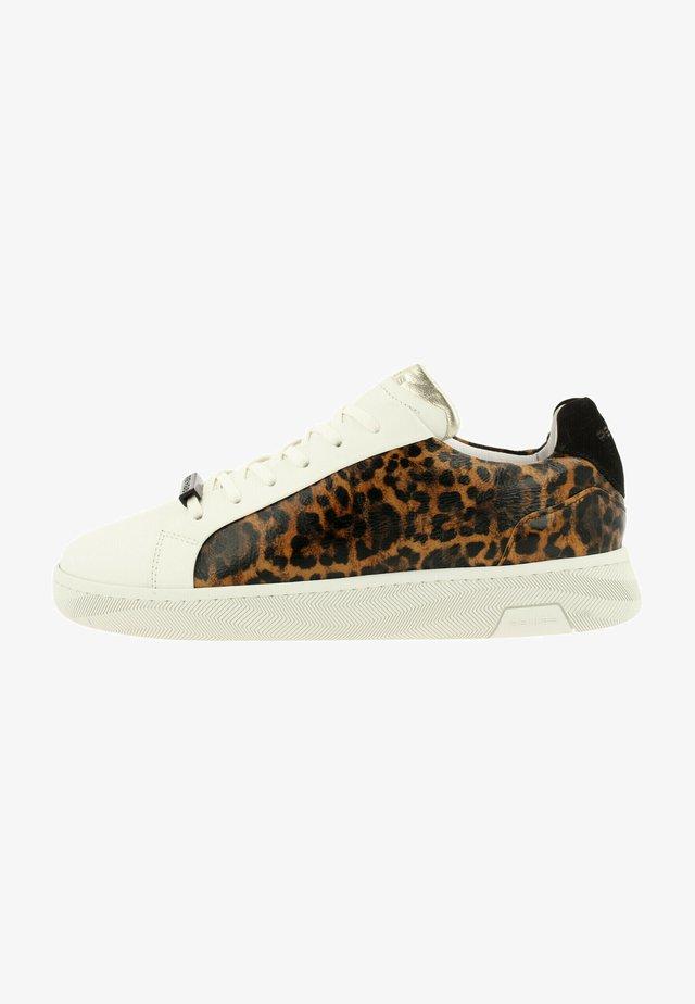 Sneakers laag - wht-brwn