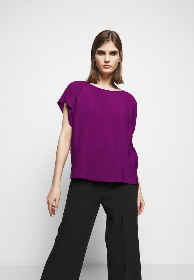 SOMIA - Jednoduché triko - purple