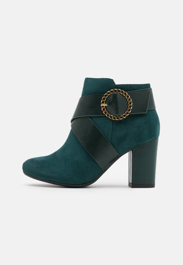 AMADEUS - Ankle boots - green