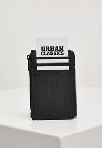Urban Classics - Wallet - black - 3