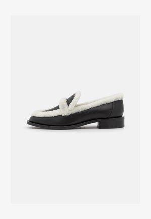 PALMER CHILL LOAFER - Slippers - black/white