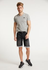 Petrol Industries - SHORTS - Denim shorts - black stone - 1