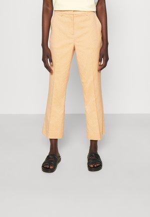 JASABI CHECK TROUSER - Pantalon classique - light orange