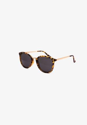 Okulary przeciwsłoneczne - tort