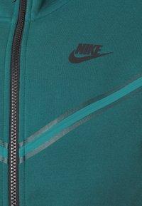 Nike Sportswear - HOODIE 2 TONE - Zip-up hoodie - dark teal green/blustery - 6