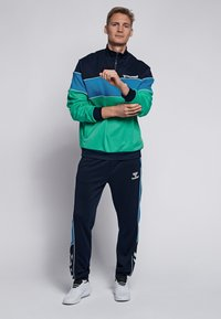 Hummel - LIAM - Fleece jumper - marine/green - 1