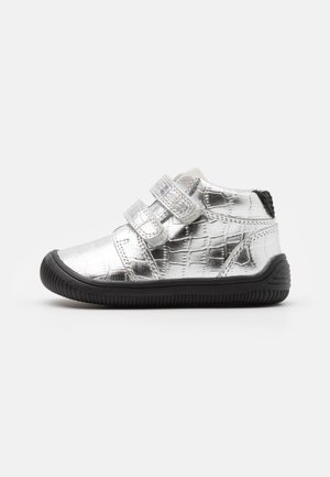 TRISTAN - Baby shoes - silver