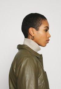 Soft Rebels - SRMATHILDA JACKET - Leather jacket - dark olive - 5
