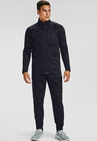 Under Armour - SPORTSTYLE PQE CAMO TK JT - Training jacket - black - 1
