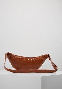 Pieces - Bum bag - cognac - 2