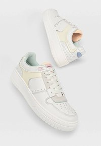 Stradivarius - Sneakers laag - white - 2
