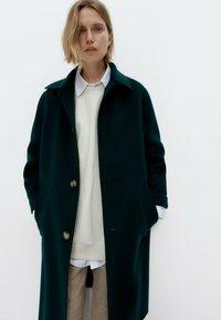 Uterqüe - Classic coat - green - 3