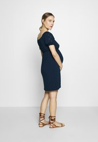 MAMALICIOUS - SHORT DRESS - Sukienka z dżerseju - navy blazer - 2
