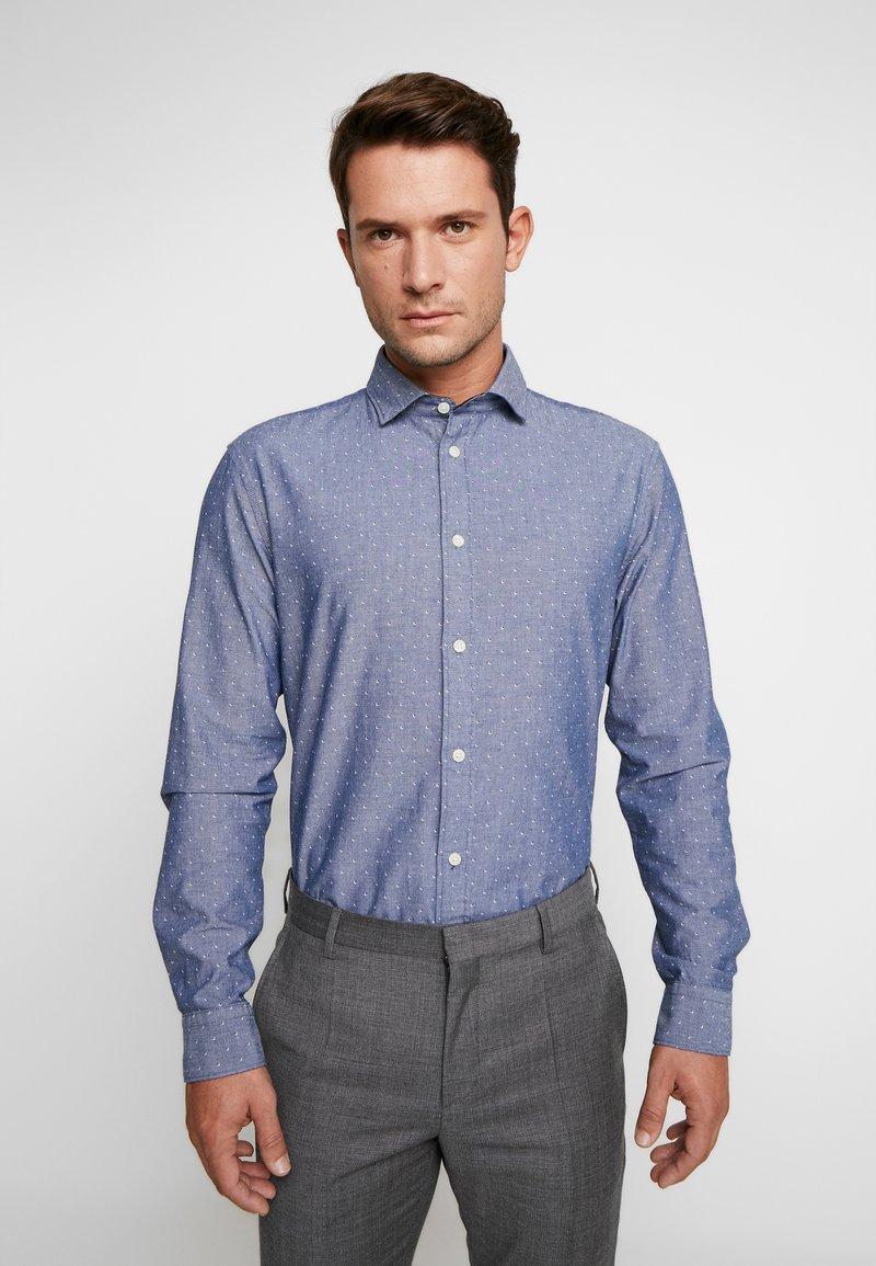Selected Homme - SLHSLIMMARK WASHED - Formal shirt - dark blue
