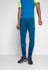 Dynafit - TRANSALPER HYBRID - Spodnie materiałowe - mykonos blue - 0