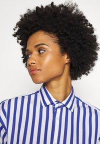 Polo Ralph Lauren - LONG SLEEVE - Button-down blouse - white/medium blue - 3
