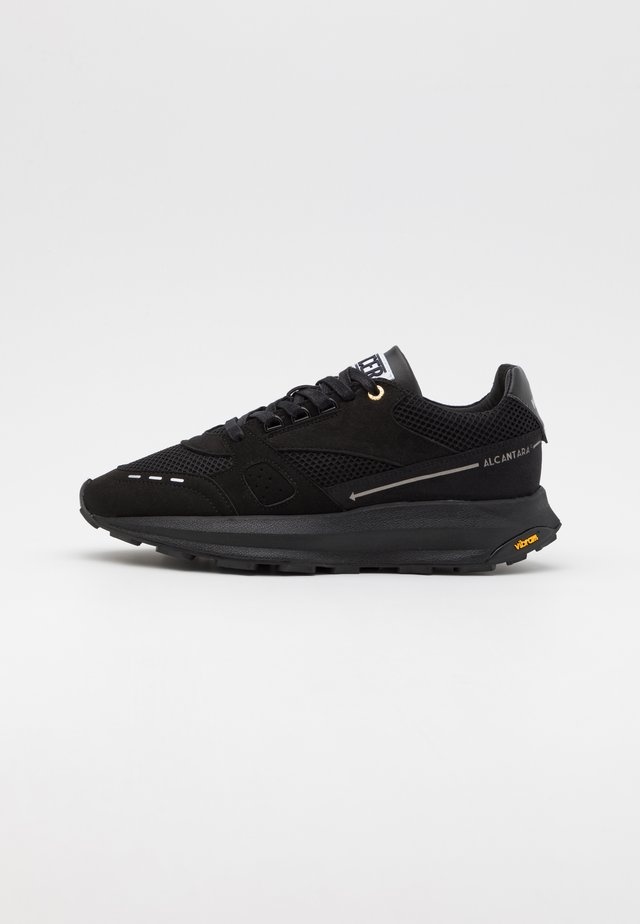 RACER LUX - Sneaker low - triple black