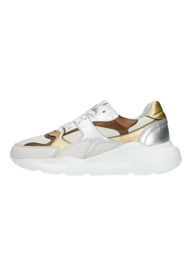 MIT METALLIC-DETAILS - Sneakers laag - weiß