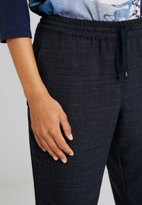 Betty & Co - Trousers - navy blue - 6