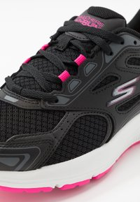 Skechers Performance - GO RUN CONSISTENT - Neutral running shoes - black/pink - 5