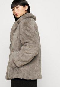 New Look Petite - Zimní bunda - dark grey - 4