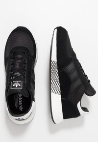 adidas Originals - MARATHON TECH - Sneakers laag - core black/footwear white - 1
