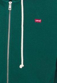 Levi's® - NEW ORIGINAL ZIP UP - Zip-up sweatshirt - greens - 2