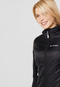 Vaude - WOMENS SESVENNA JACKET III - Outdoor jacket - black - 3