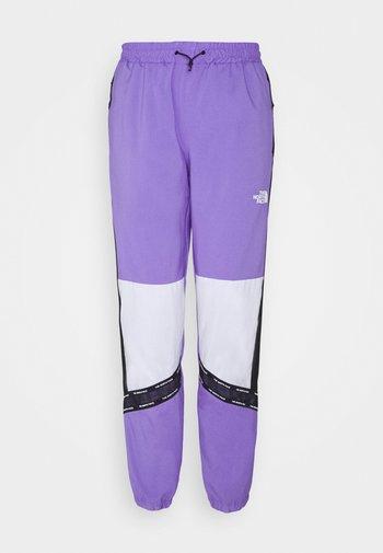PANT - Tracksuit bottoms - pop purple