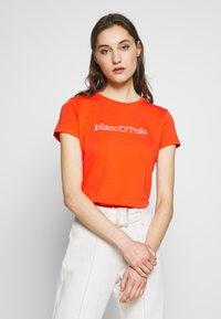 Marc O'Polo - SHORT SLEEVE ROUND NECK - Camiseta estampada - sunset orange - 0