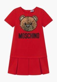 MOSCHINO - Žerzejové šaty - poppy red - 0