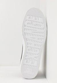Armani Exchange - Sneakersy wysokie - black icon - 4