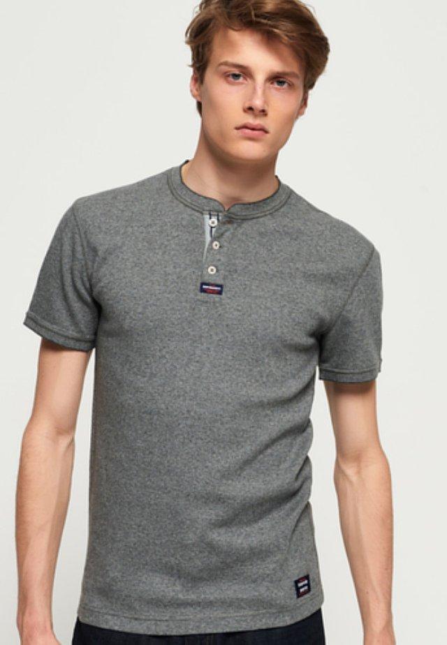 Basic T-shirt - carbon grey feeder